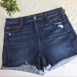 AEO High Rise Raw Hem Jean Stretch Shorts sz. 18